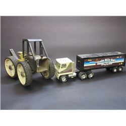 Ertl Jimbo Billy Bobs Tractor and Enclosed Trailer- Rubber Tired Dragline- Missing Dragline