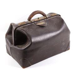 D & W Brand Genuine Leather Doctors Bag