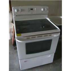 KENMORE ELECTRIC STOVE (1 BURNER NOT WORKING)