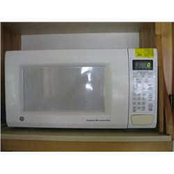 G.E. MICROWAVE OVEN
