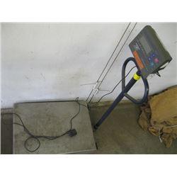 ELECTRONIC METTLER TOLEDO 1000 LB. SCALE