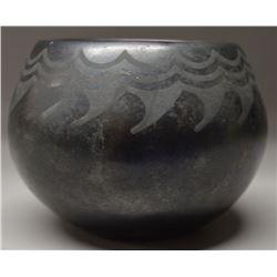 SAN ILDEFONSO INDIAN POTTERY JAR (  DONICIA TAFOYA)
