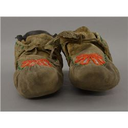 IROQUOIS INDIAN MOCCASINS