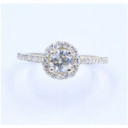 0.86 ctw Diamond Ring - 14KT Yellow Gold