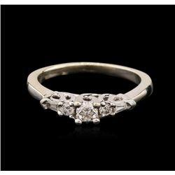14KT White Gold 0.33 ctw Diamond Ring