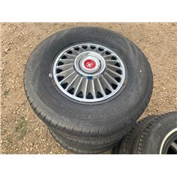 1965 FORD MUSTANG 14 INCH WHEELS WITH ORIGINAL HUBCAPS IN EXCELLENT SHAPE NO RESERVE