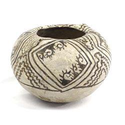 Prehistoric Anasazi Black on Beige Pottery Bowl