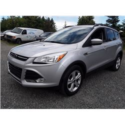 D1 --  2013 FORD ESCAPE SE  , Silver , 251860  KM's