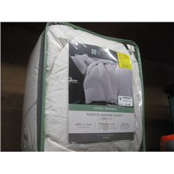 THE SEASONS COLLECTION GOOSE DOWN COMFORTER  TWIN Retail $125.99