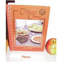 Compagny's Coming Pasta Cook Book Alberta's Jean Paré -156 pages 1990 livre en anglais de recettes