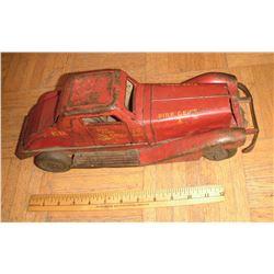 Antique Fire Chef Dept 1 as is toy truck rare -camion de feu jouet si vieux et comme telle condition