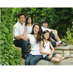 "SMILEY'S STUDIO: $760 CERTIFICATE For Family Portrait Session and 11x14"" Color Portrait"