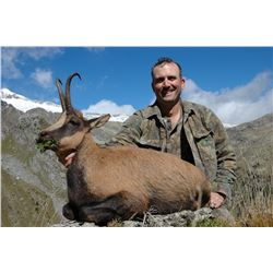 3- DAY PYRENEAN OR CANTABRIAN CHAMOIS HUNT FOR 2 HUNTERS