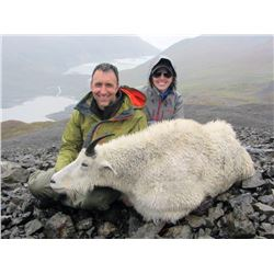 10-DAY ARCHERY ONLY MOUNTAIN GOAT HUNT FOR 1 HUNTER