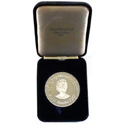 1977 Her Majesty Queen Elizabeth Commemorative Silver Jubilee Sterling Silver Medallion in Original