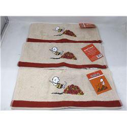 Peanuts Hand Towels