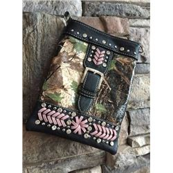 "BLACK CELL PHONE PURSE/PINK CAMO BUCKLE DESIGN/8""X6""/SINGLE STRAP/CELL PHONE POCKET ON BACK WITH MAG"