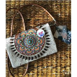 CREAM/BROWN MULTI COLOR STITCHING DESIGN/CONCHO MESSENGER WALLET-INNER AND OUTER ZIPPER COMPARTMENTS
