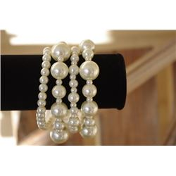 Multi layer BRACELET/Wear as a set or individually/Different sizeWHITE  pearl layers