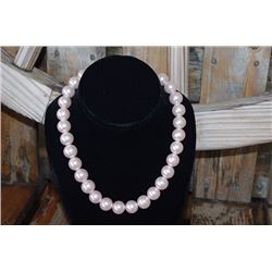LARGE PINK PEARL NECKLACE