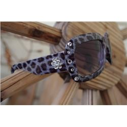 SJ SUNGLASSES CLEAR CRYSTAL ACCENT/clearcrystal flower on sides of  arms7379