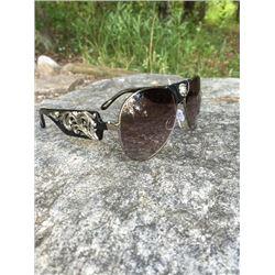 MONTANA WEST WESTERN STYLE AVIATOR SUNGLASSES/Black aviator sunglasses with silver frame and smoke l