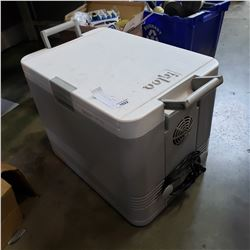 IGLOO ELECTRIC COOLER