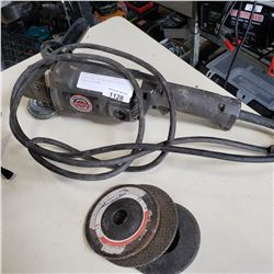BLACK AND DECKER HEAVY DUTY ANGLE GRINDER