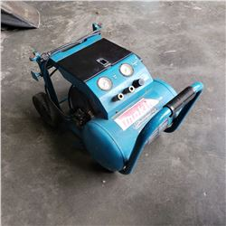 MAKITA ELECTRIC AIR COMPRESSOR