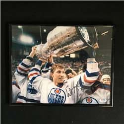 WAYNE GRETZKY SIGNED AND FRAMED 11 X 14 STANLEY CUP PHOTO (PSA COA)