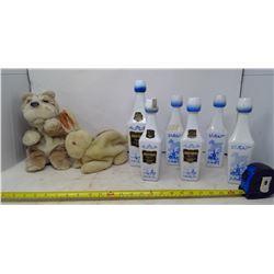 Mechanical Wrinkly Dog and Bunny + 6 Liqueur Banderman Dutch Bottles