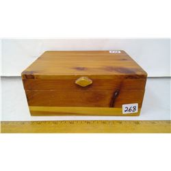 "Aromatic Cedar 1/4"" Plank wood Box 7 1/2"" Wide Hinge Lid"
