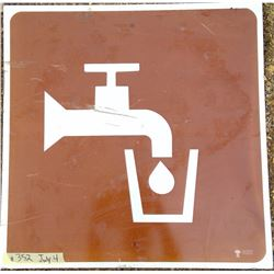 Drinking Water Road Sign - Government of Saskatchewan