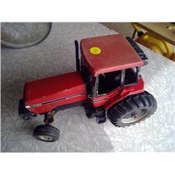Model International 7120 Tractor