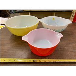 Coloured Pyrex Bowls (3)
