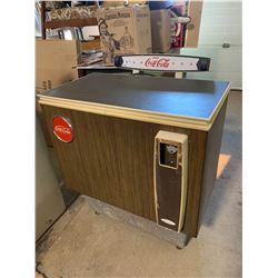 15 Cent Coke Machine w/ Keys - Works Well (Sign Lights Up)