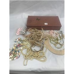 Lot of Costume Jewelry - Necklace