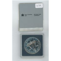 1982 Royal Canadian Mint Uncirculated Silver Dollar in Plastic Case