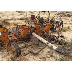 Antique Farm Plow/Planter  (120112)