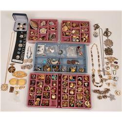 Costume Jewelry   (119024)