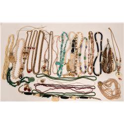 Costume Jewelry - Necklaces  (119023)
