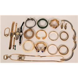 Costume Jewelry Group  (119022)
