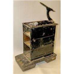 1920's Shoeshine Box  (118126)