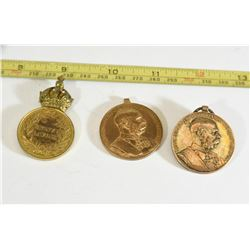 2 Austrian Pins WWI Medals