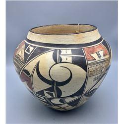 Award Winning Hopi Pot by Hattie Carl