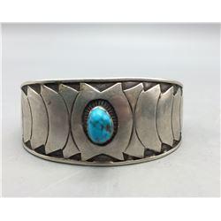 Unique Looking Turquoise Bracelet