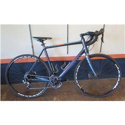 Kona Essatto Road/Gravel Bike w/ Disc Brakes, Novatec Tires & Racing Handlebars, 58cm. Less than a y