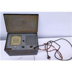 Broadcast Shortwave Radio Model 6000 BAC USN Contract N-140 115V