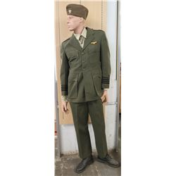 WWII Navy Captain Uniform, Garrison Cap & Mannequin (size unknown)
