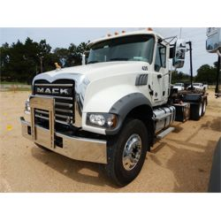2020 MACK GR64F Roll Off Truck